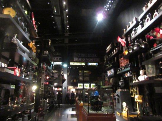 Schaerbeek, Belgia: The warehouse