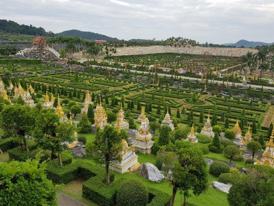 Nong Nooch Tropical Botanical Garden: Views of the gardens