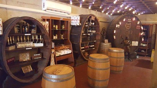 Temecula, CA: Wine Tasting Room