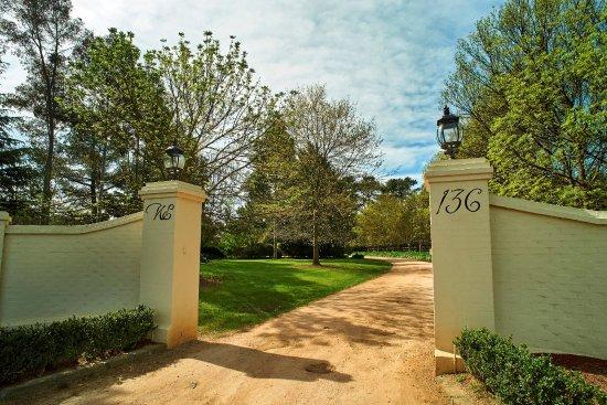 Moorooduc, أستراليا: Woodman Estate entrance