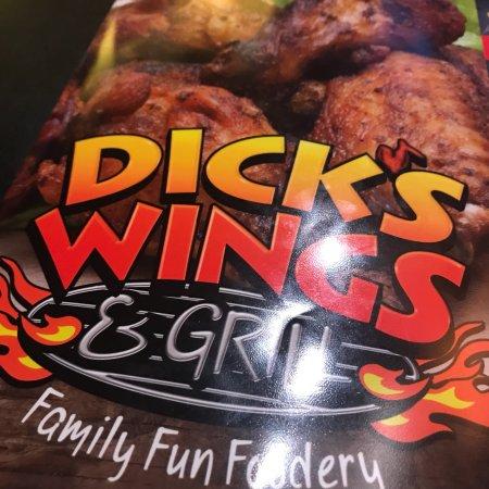 Hazlehurst, Джорджия: Dick's Wings and Grill