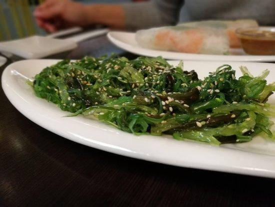 Hilden, Duitsland: Guter Standard: Wakame-Salat