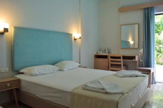 Aris Hotel Resmi