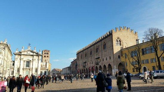 Foto de piazza sordello mantua piazza sordello tripadvisor for Piazza sordello