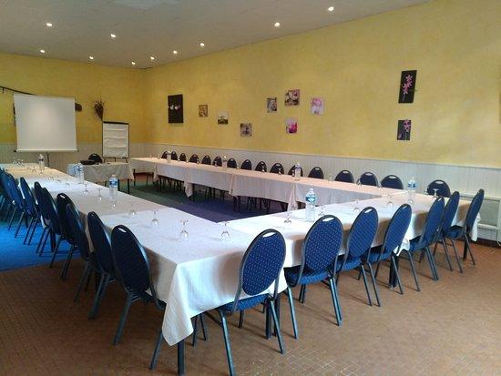 Missillac, France: La Salle indépendante (50 pers. assis / 90 pers debout)