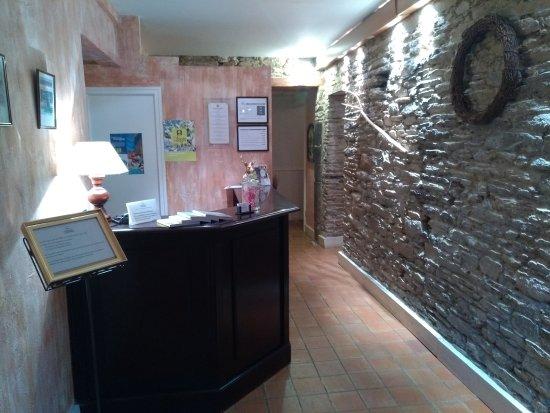 Missillac, France: L'accueil de l'hôtel restaurant