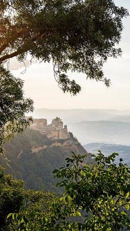 Castello di Lombardia (Enna): вид на город от Замка
