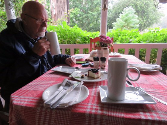 Haenertsburg, Sør-Afrika: Hot chocolate and cheese cake at The Village Kitchen