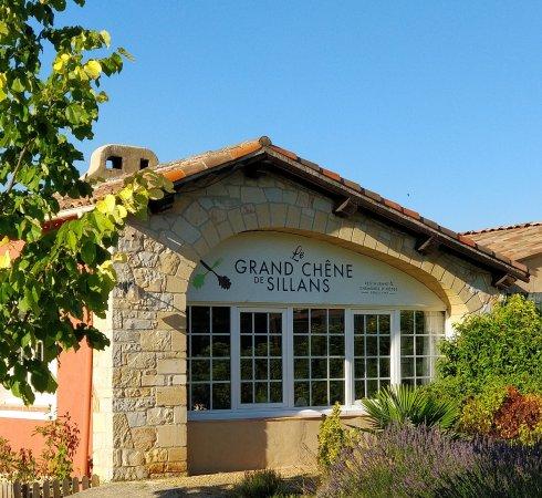 Sillans-la-Cascade, Frankrijk: Batisse construite par un maître artisant