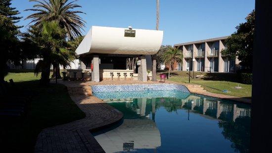 Summerstrand Hotel : Klein voor zoveel kamers op dit complex, iets meer ligstoelen graag.