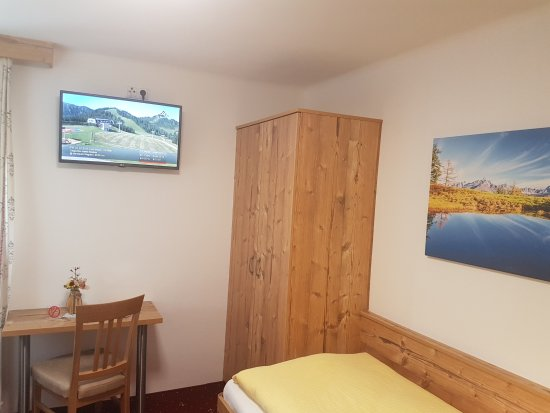 Pension Oberauer: Alle Zimmer sind neu renoviert! 👍✅