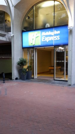 Holiday Inn Express Cape Town City Centre: Ingang