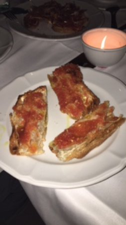 Cafe De L'Academia: Toast with olive oil and tomatoes