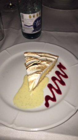 Cafe De L'Academia: Lemon cake tart