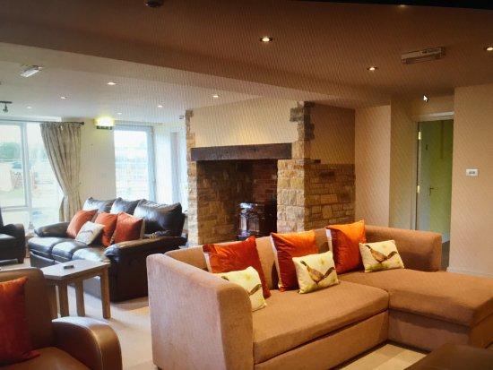 Hardstoft, UK: lounge /entertainment room