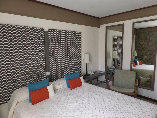 Hotel ACA: Habitación