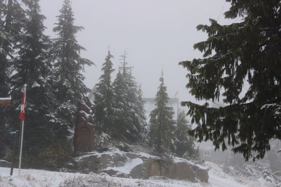 North Vancouver, Canada: Statues at the grouse