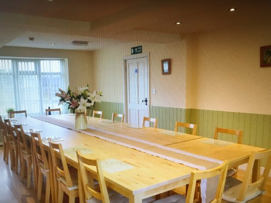 Hardstoft, UK: Dining room seating for all guests