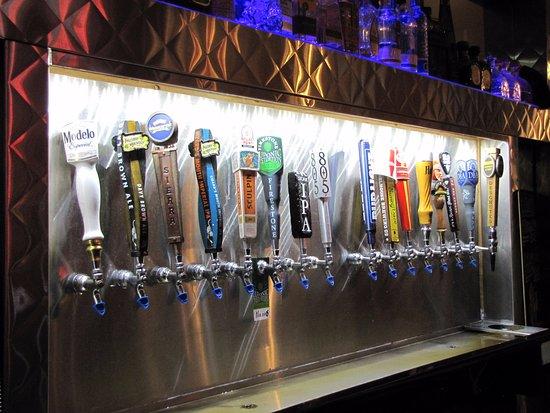 Cool Cat Cafe: Ottima scelta di birre