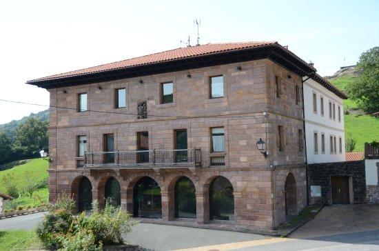 Maya, สเปน: Fachada principal del Hotel Palacio Borda
