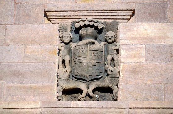 Maya, สเปน: Escudo de la familia Borda (el Palacio es Cabo de Armería)