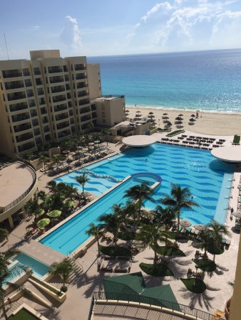 The Royal Sands: room view