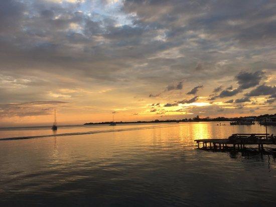 Utila, Honduras: Beautiful sunsets every day