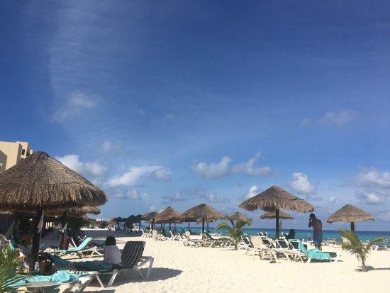 The Royal Sands: the beach