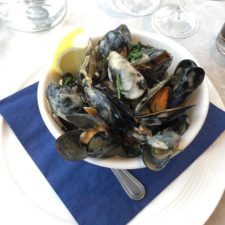 Dunmore East, Ierland: The best food i've had in Ireland so far. The mussels where heavenly, and the Linguini cooked pe