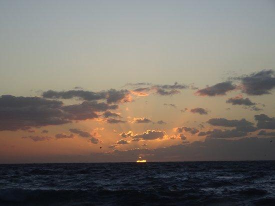 El Cabrito: Sonnenaufgang am Strand.