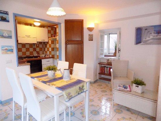 Vasca Da Bagno Amalfi Prezzo : Il girasole hotel maiori costiera amalfitana prezzi e
