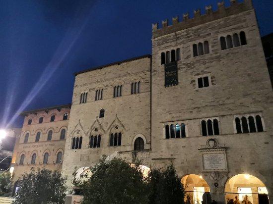 Тоди, Италия: IMG_20171208_170920_large.jpg