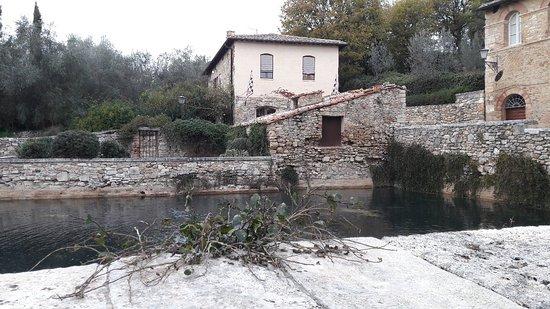 Terme Bagno Vignoni - Picture of Terme Bagno Vignoni, Bagno Vignoni ...