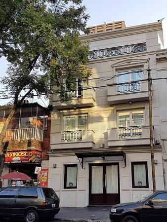 PuroBaires Hotel Boutique: Frente del hotel sin identificación (por razones de seguridad)