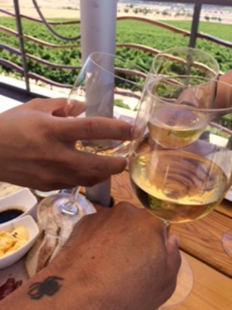"Klapmuts, Sydafrika: ""Cheers at Arra Vineyards & Happy B-day!!"