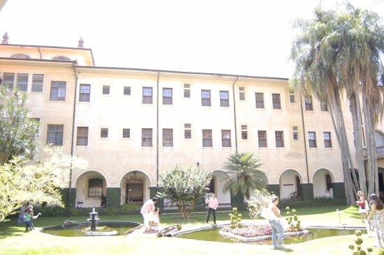 Mosteiro de Itaici: Lateral de um dos jardins