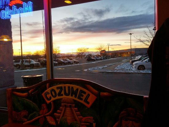 Janesville, WI: Fajitas, Flan and Sunset :)