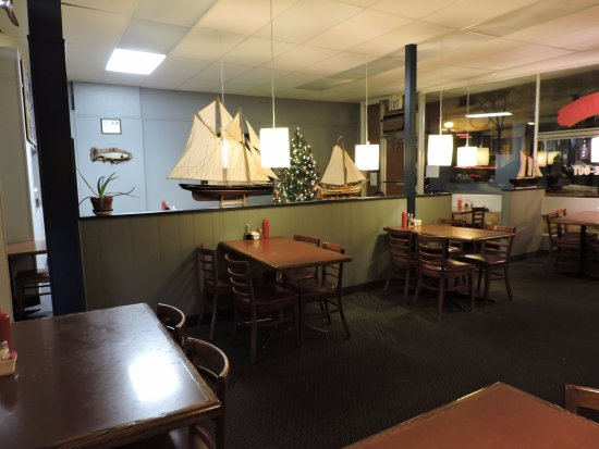 Tor's Fish & Chips: Dining room