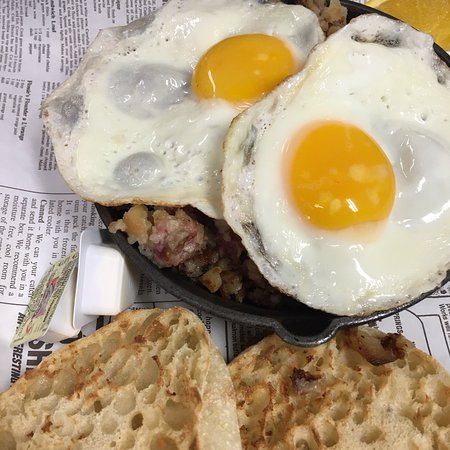 Main Streets Market & Cafe : So many options on a snowy morning in Concord Center