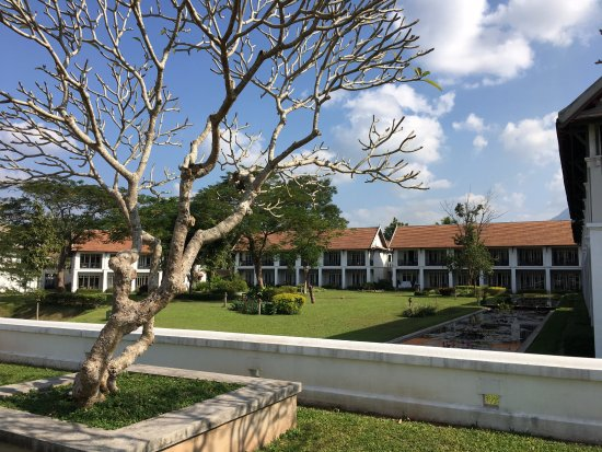 The Grand Luang Prabang Hotel & Resort: hotel et jardins