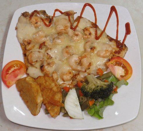 Santa Cruz del Norte, Cuba: Don pedro filete de pescado con camarones y queso