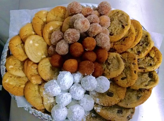 Raton, NM: Need to send a tray for friends or family?  We Deliver!!