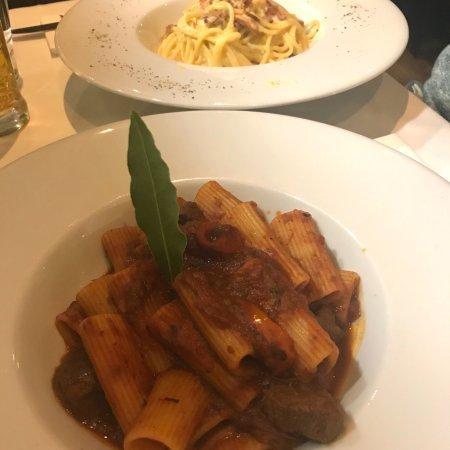 Casa di David: Spaguetti carbonara y Rigatoni con ragú