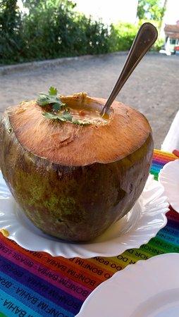Cairu, BA: Camarão no coco verde