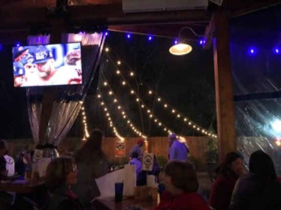 Chamblee, Georgien: Patio seating at Bluetop