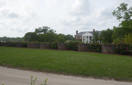 Mount Pleasant, Carolina del Sur: la villa oltre il muro