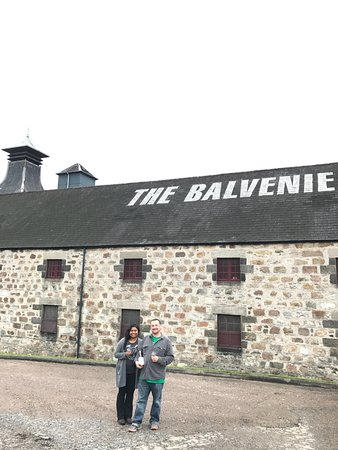 Craigellachie, UK: A quick stop at the Balvenie to take in the scenery and a wee dram.