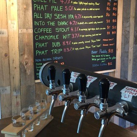Kerikeri, Nueva Zelanda: PhatHouse Craft Beer Tap Room