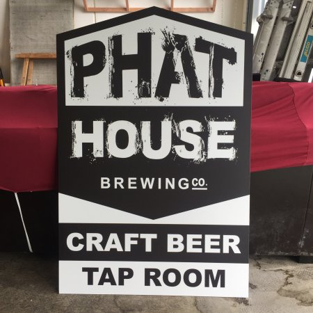 Kerikeri, Nueva Zelanda: PhatHouse Craft Beer Tap Room