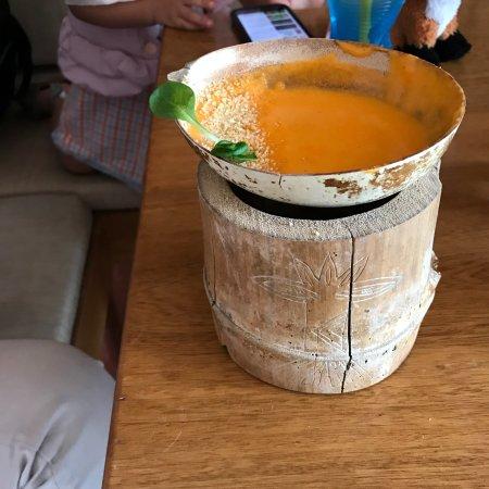La Chagra, Sabores Amazonicos: Crema de chontaduro con fondo de piraricú, leche de tigre y fariña con una deliciosa variedad de